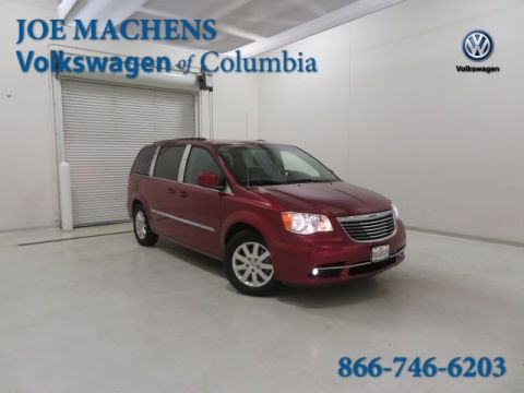 Pre-Owned 2016 Chrysler Town & Country Touring FWD 4D Passenger Van