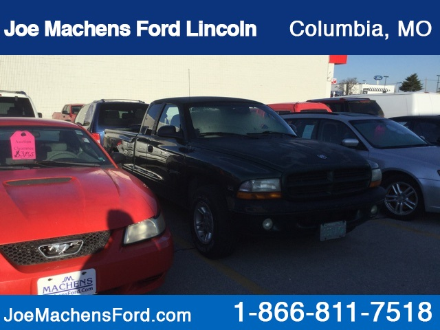Pre-Owned 2000 Dodge Dakota Base
