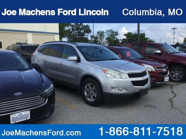 Pre-Owned 2010 Chevrolet Traverse 2LT