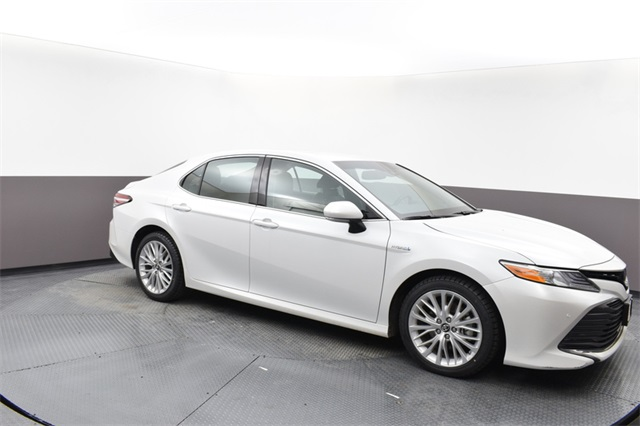 Pre-Owned 2018 Toyota Camry Hybrid XLE