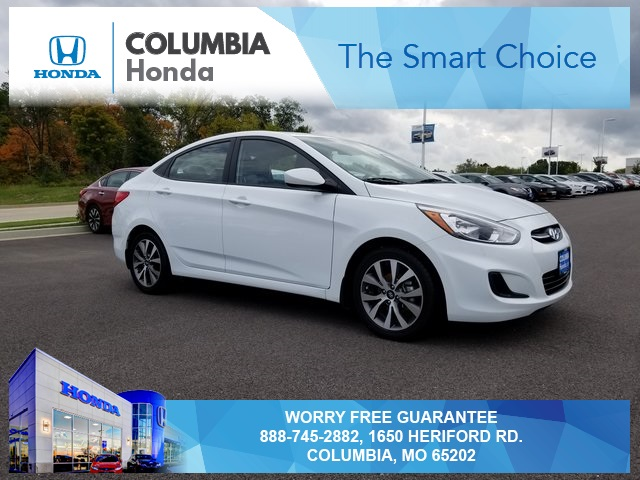 Pre-Owned 2017 Hyundai Accent Value Edition